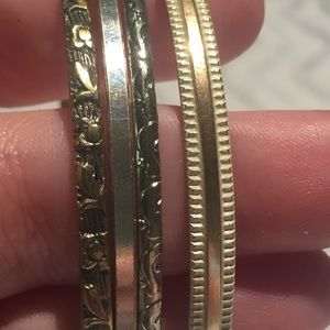 Jewelry - Bracelet Lot Bangle Ridged Floral Scroll Thin